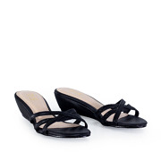 Strappy Crossover Slide Low Wedge Sandals_BLACK (2)